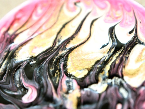 Brooch marbled DIY